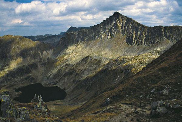 Varful si Lacul Podragu