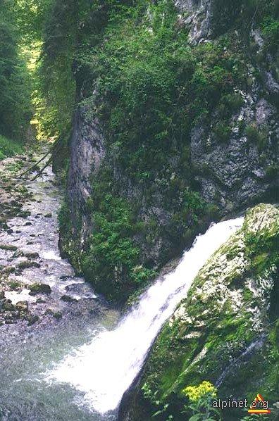 Cascada Evantai -Cheile Galbenei