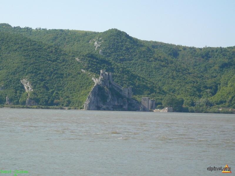 Cetatea sarbeasca Golubat