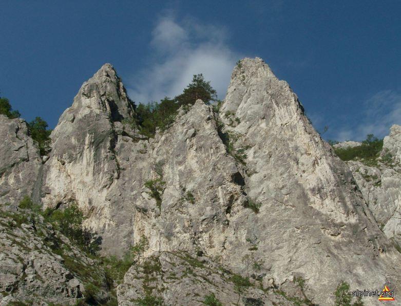Twin rock(s)!