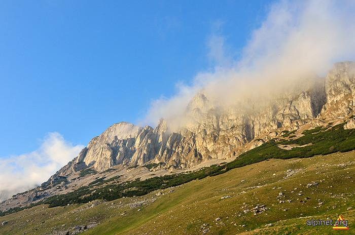 Muntele Grohotișul (Bătrâna, Colții Țapului)