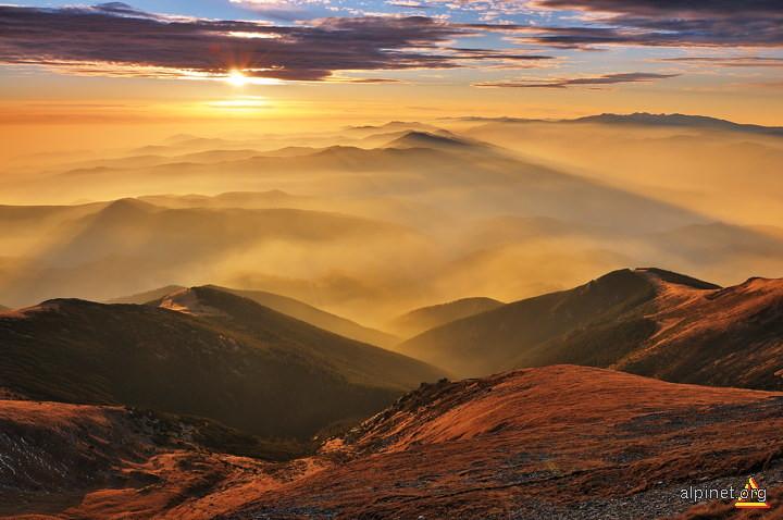 Munţi, văi, munţi... (2)