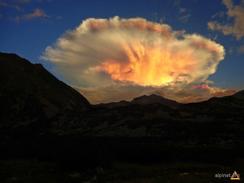 Apus vulcanic in Muntii Retezat