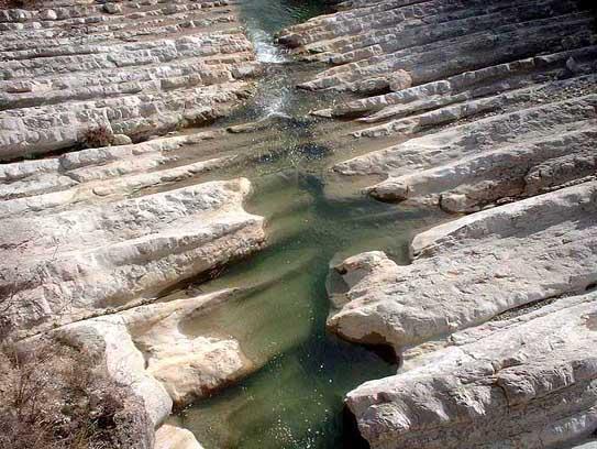 Lupta muntelui cu apa