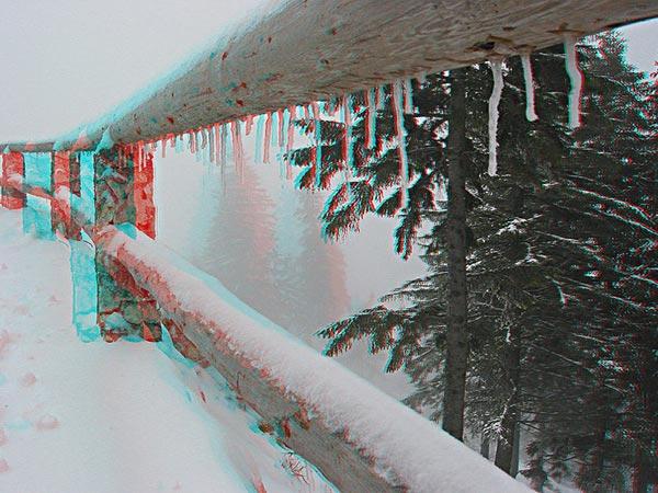 Gardul cu ţurţuri - anaglifă