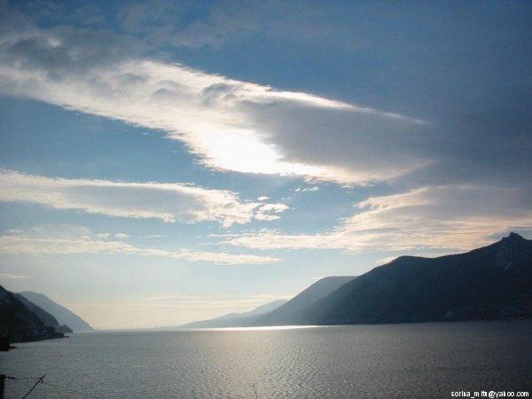 unde Dunarea saruta muntii...
