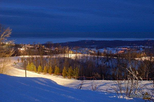 Apus la Blue Mountain, Ontario