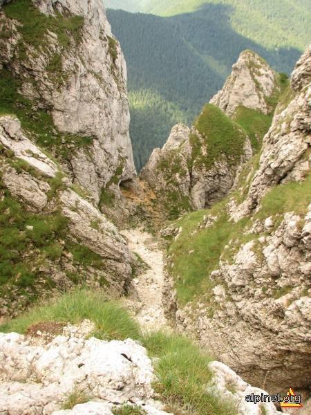 în munte