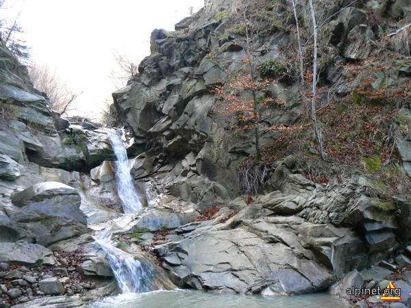 Cascada Supan