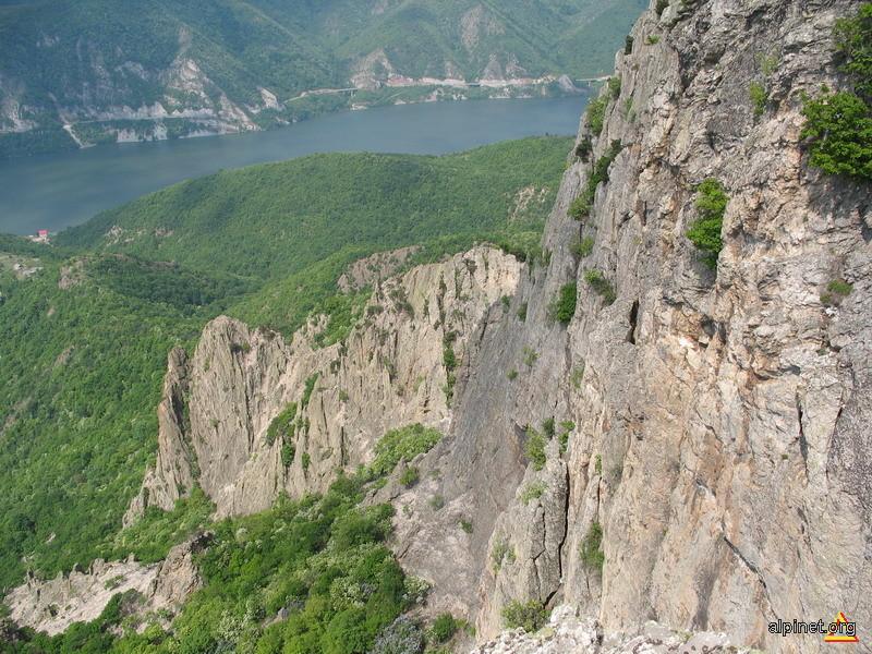 Dunarea de pe stânca Trescovăţului