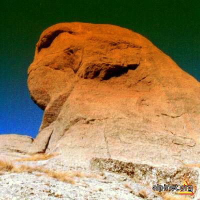 Sfinxul din Bratocea