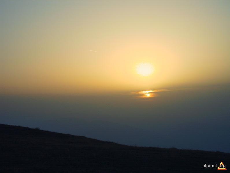 Soarele apune....in mare