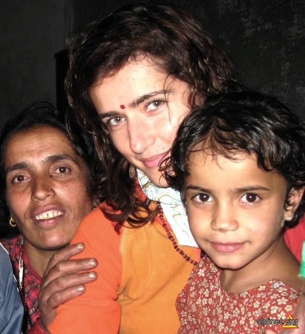 Alaturi de mama -Nirmala si ingerasul-Mina