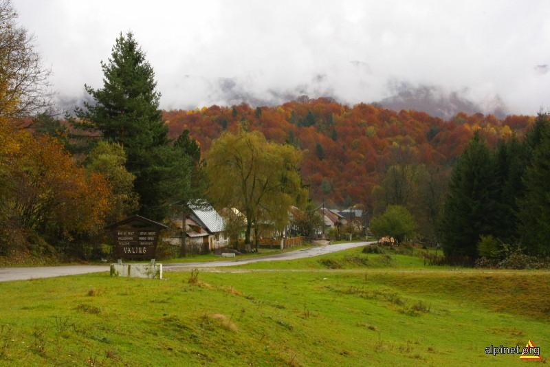 intrarea in satul Valiug