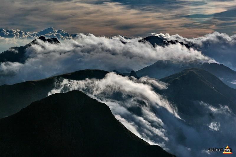 Clocotul norilor 2