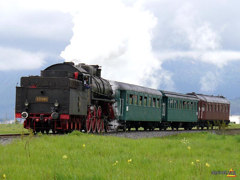 Trenuleţul de week-end între Zărneşti şi Braşov
