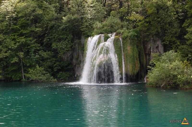 Cascade in Parcul National Plitvice