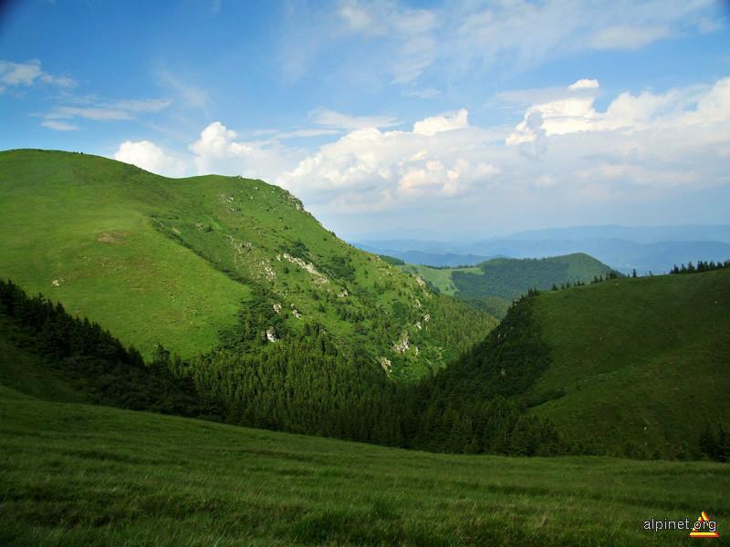 munţi neumblaţi (prea mult) de picior de turist