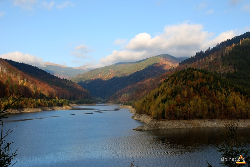 Barajul Râuşor
