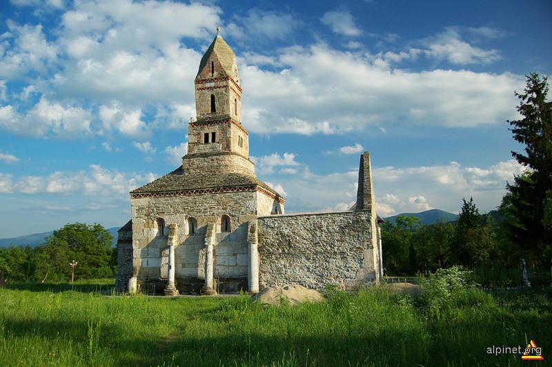 Biserica Densus-sec XIII