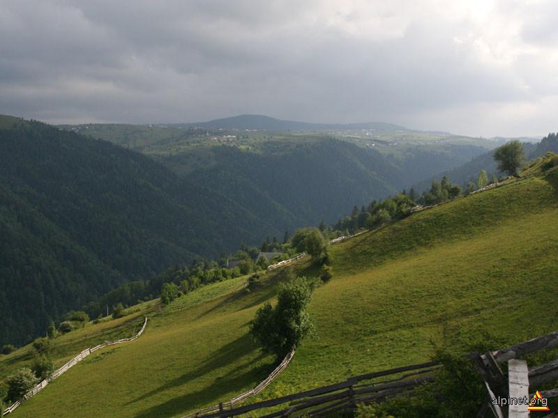 Peisaj, valea Răcătăului