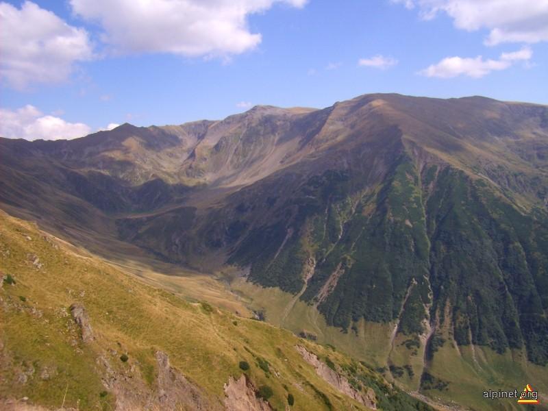 O parte din muntele Dara