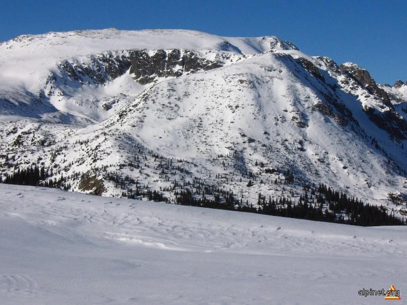 Piciorul Slăveiului, Vârful Slăveiu 2347 m, Coada Slăveiului si Căldarea Lacului Slăveiu 1934 m alt.