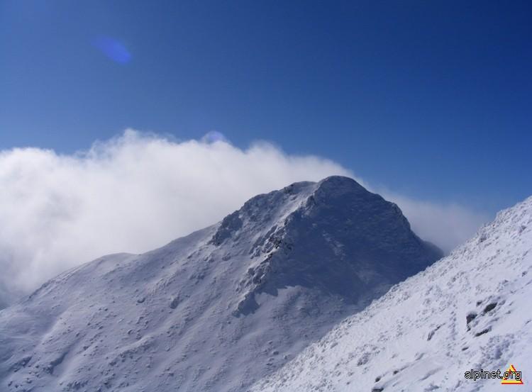 Vârful Iezerul Caprei (2417 m)