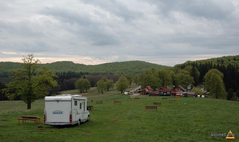 în camping