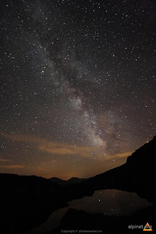 Calea Lactee peste Lacul Capra