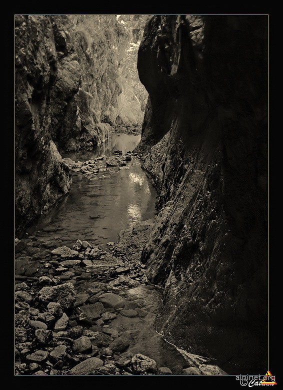 Cărările unui suflet de piatră
