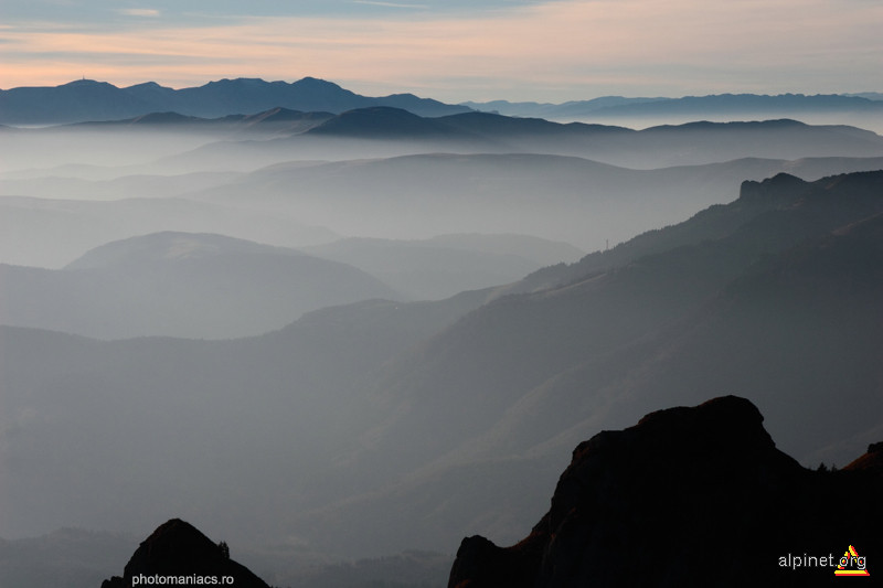 Valuri in munti