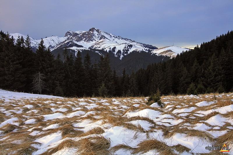 Vârful Ciucaş şi Ţigăile Mari
