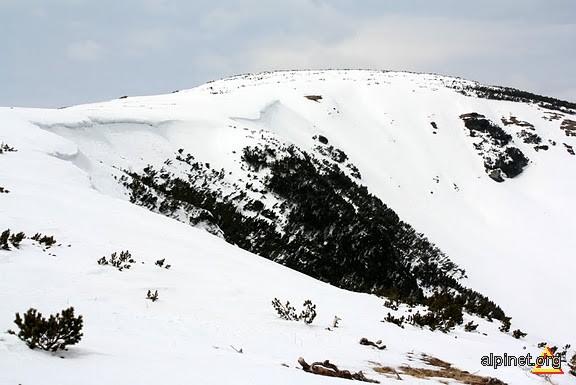 Vârful Bora (2055 m)
