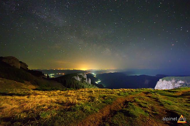 noaptea langa cabana Dochia