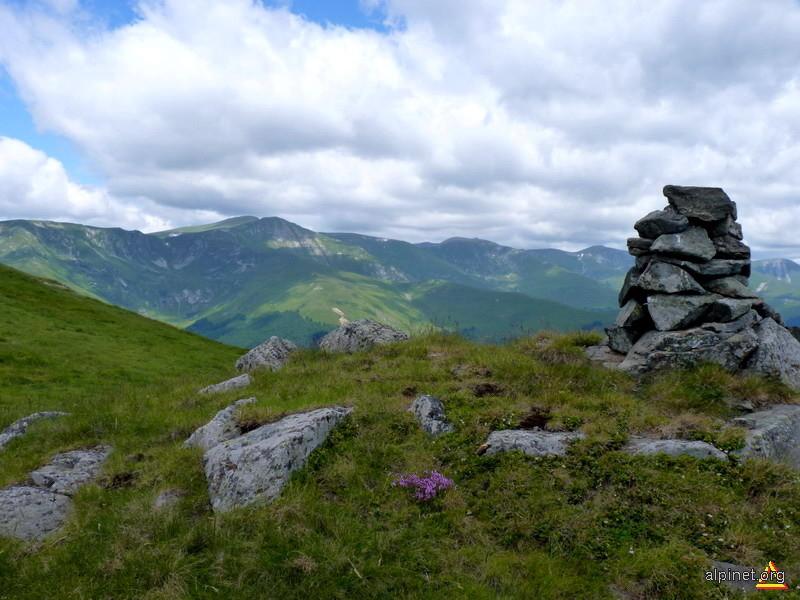 Godeanu vazut de pe Oslea Romaneasca