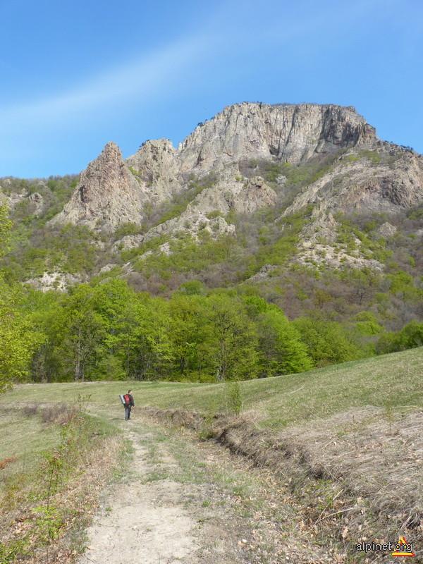 Cel mai mare neck vulcanic din Romania-Trescovat