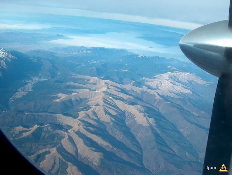 Munții Baiului văzuți din avion