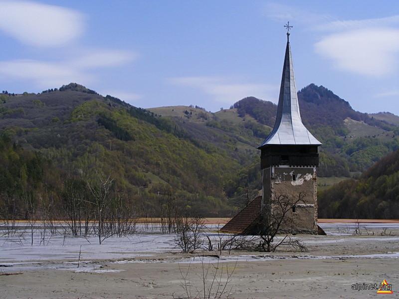 Iazul de decantare de la Valea Şesii