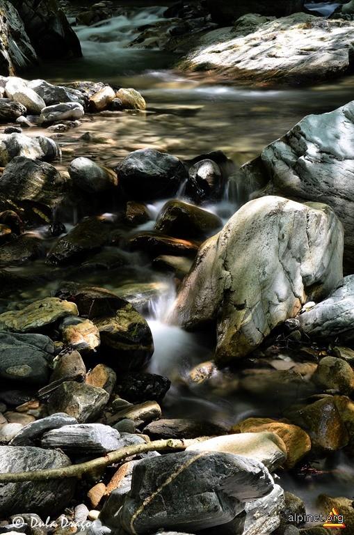 Valea Strambuta...