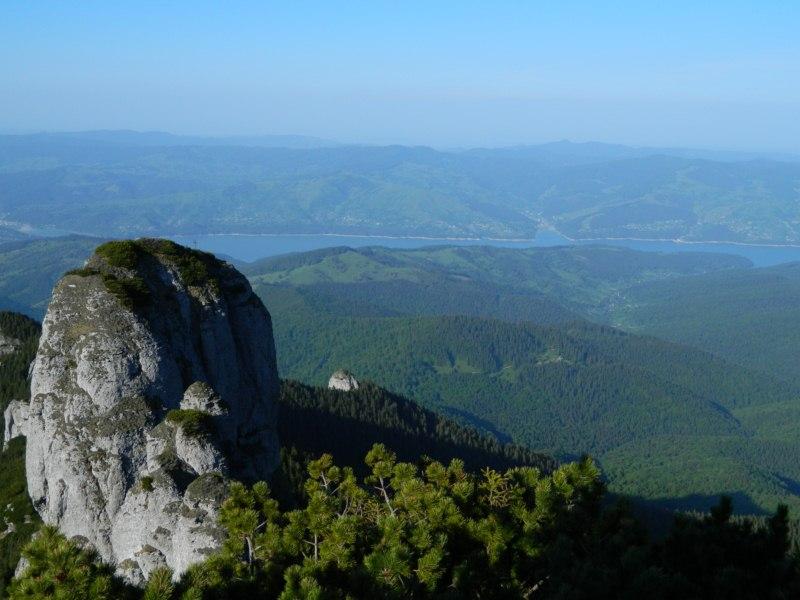 Panaghia şi Lacul Izvorul Muntelui