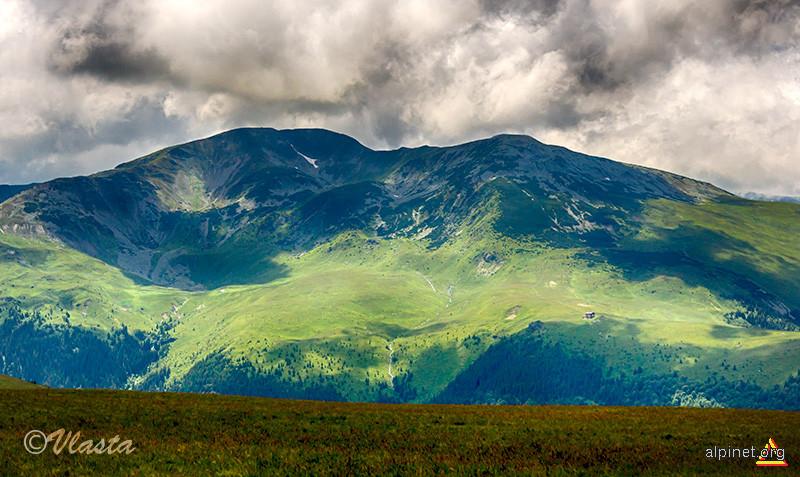Vârful Căleanu în iulie